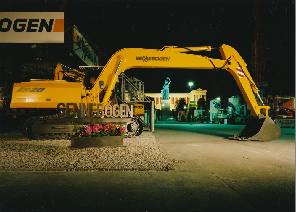 60 years of SENNEBOGEN at bauma – a success story for the green heart of bauma