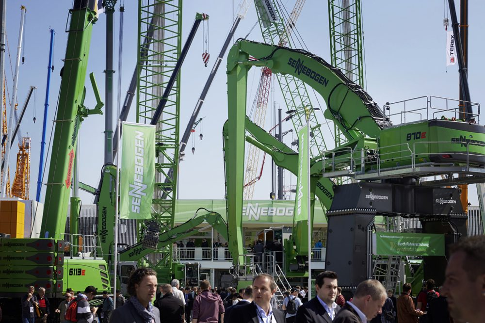 In 2019, SENNEBOGEN will be celebrating the 60th anniversary of the trade fair. The family business has been represented ay bauma without interruption since 1958. In April, the industry meets once again in the green heart of bauma.