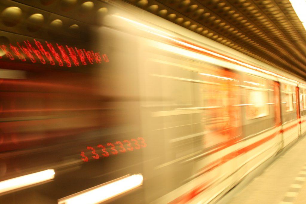 Speeding Subway - Photo by Vavva_92