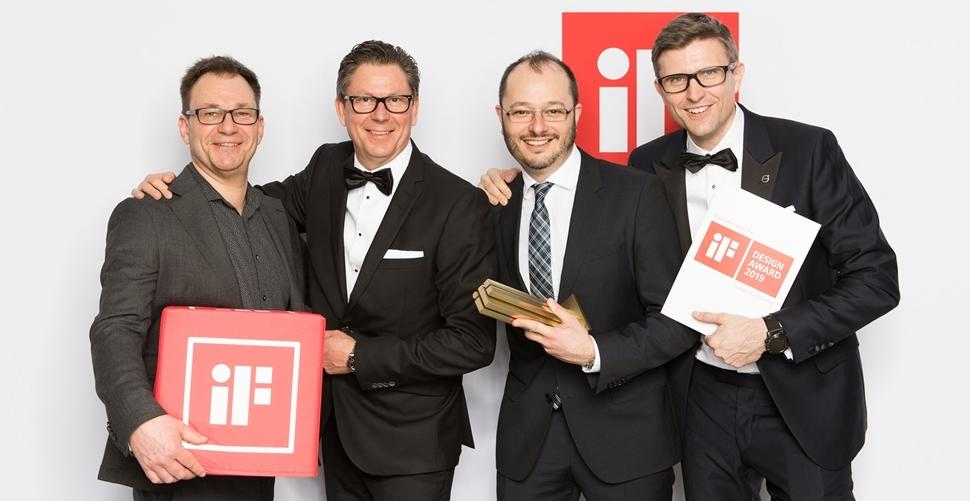 The Volvo CE team with the iF Design gold award (from left) Joakim Unnebäck, Mats Bredborg, Gustavo Guerra and Arvid Rinaldo.