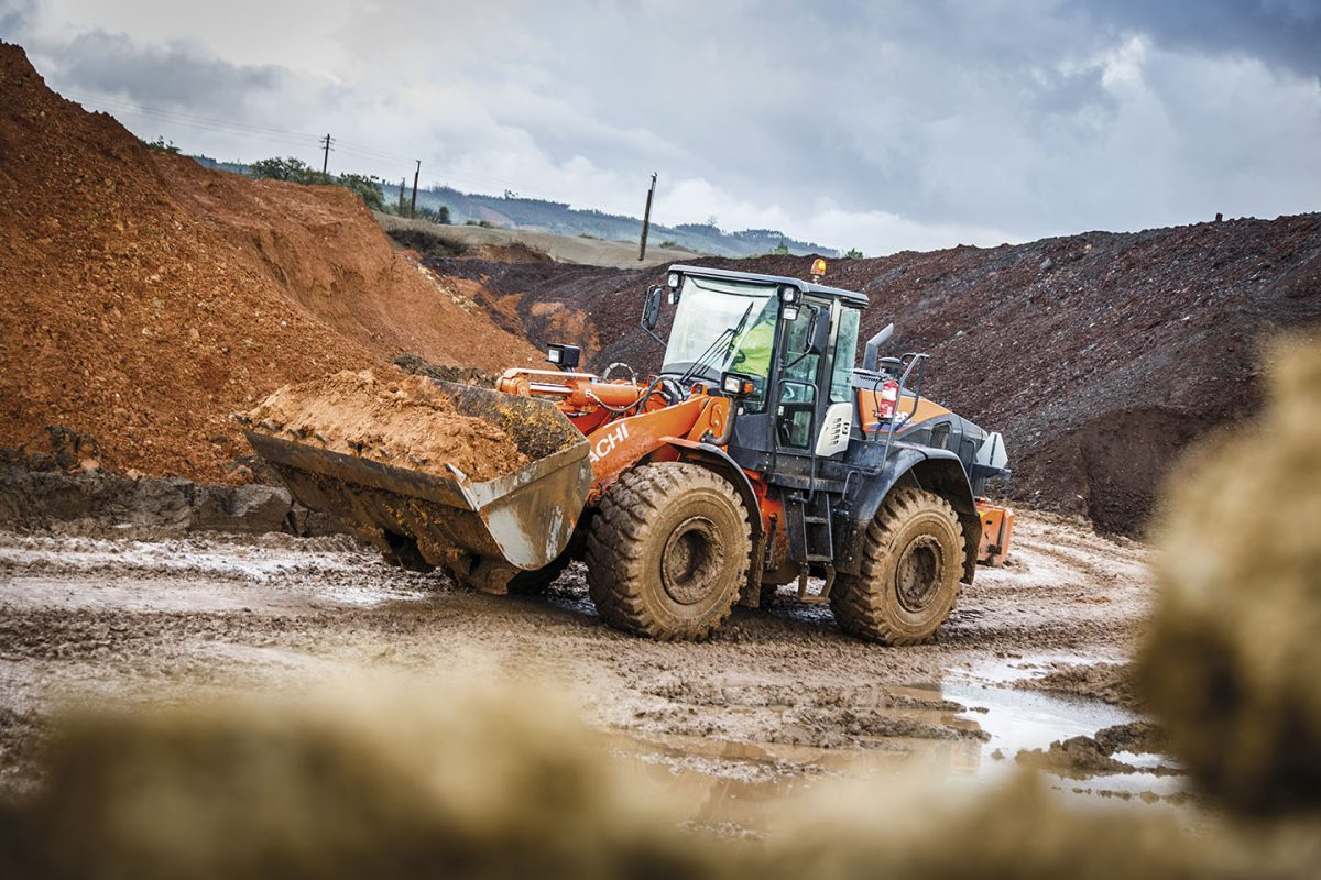 Portuguese Clay exporter Leca delighted with their Hitachi ZW220-6 loaders