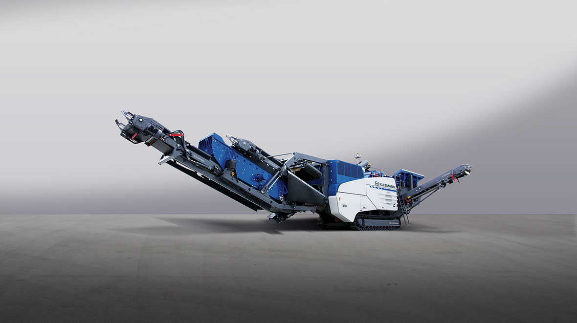 The mobile impact crusher MR 130 Z EVO2 shows its strengths both in recycling and in natural stone processing.