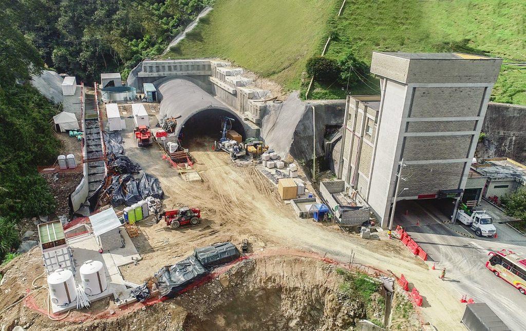 SACYR Autopista al Mar 1 - Túnel de Occidente portal Medellín – Sector Vereda El Naranjal