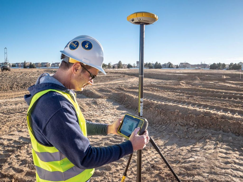 Trimble T7 rugged, lightweight Tablet elevates productivity on the construction site