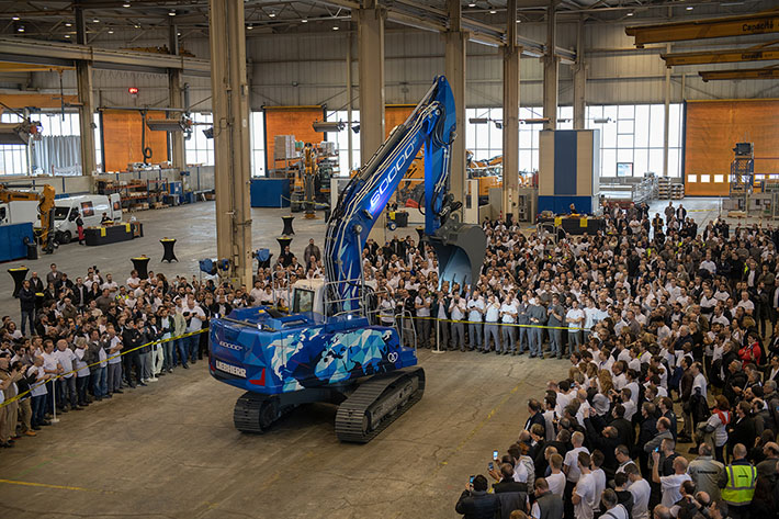 Liebherr-France SAS unveils their 60,000th crawler excavator in Colmar