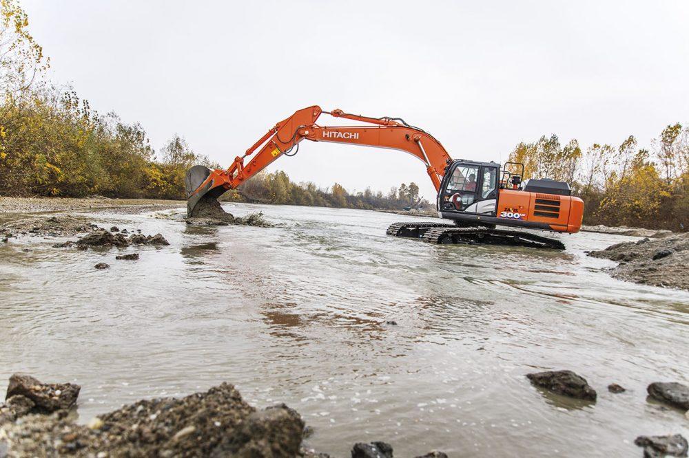Romanian NBG demands maximum durability from Hitachi excavators