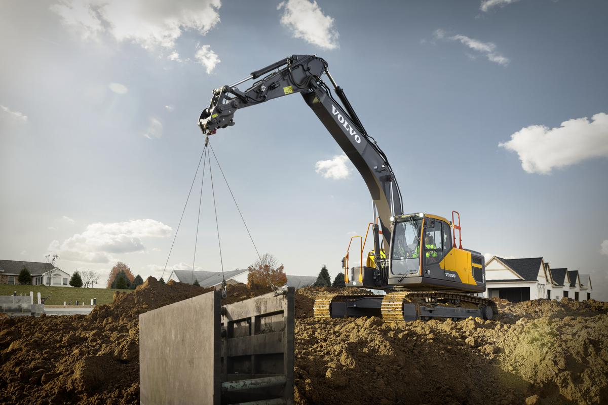VolvoCE enters the 20-ton class excavator market with the EC200E