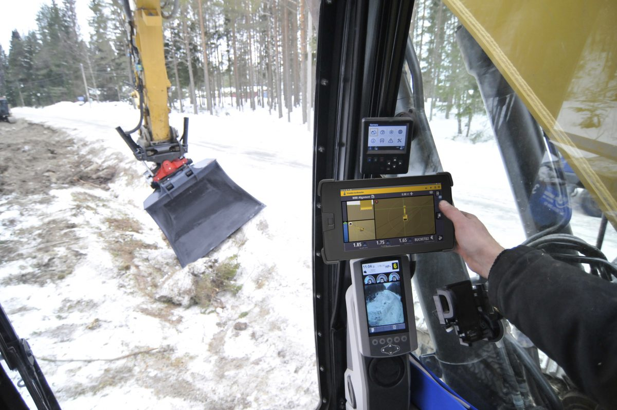 Updated Trimble Earthworks supports full Automatics for Tiltrotators and Graders