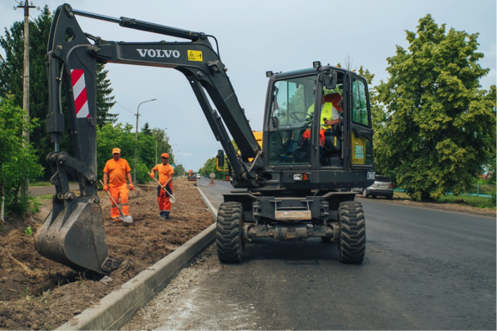 Volvo paves the way for road improvements in Ukraine