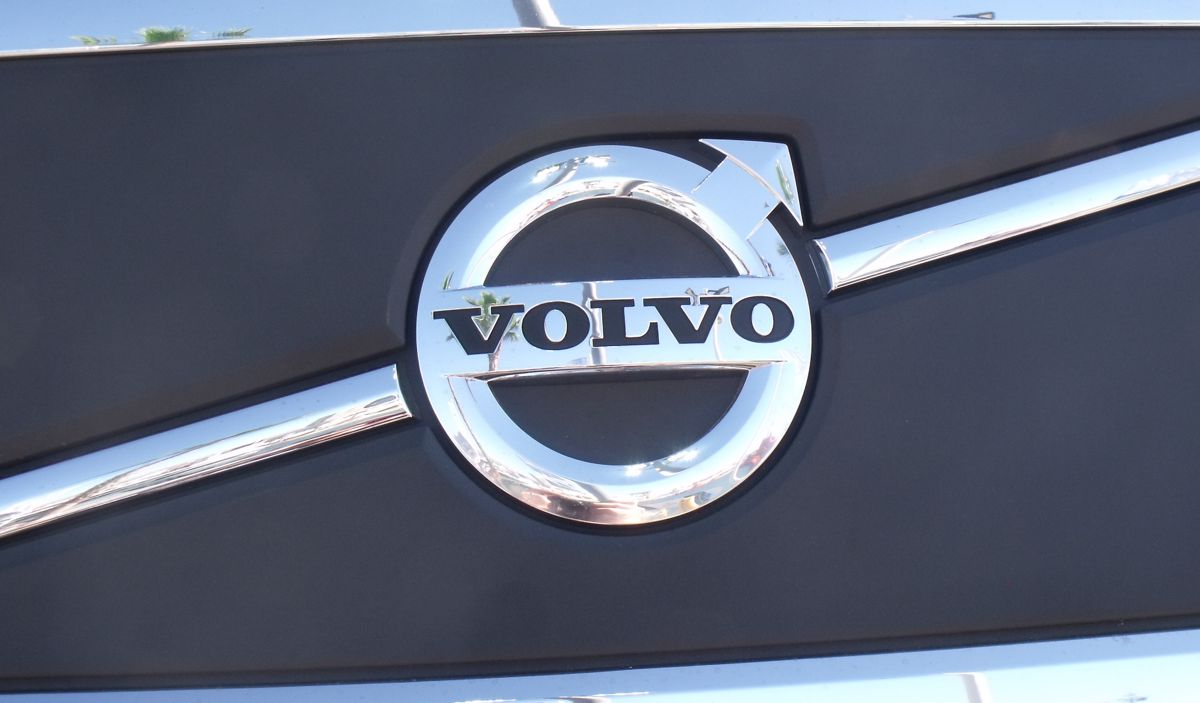 Volvo Group reducing costs and accelerating transformation to counter downturn