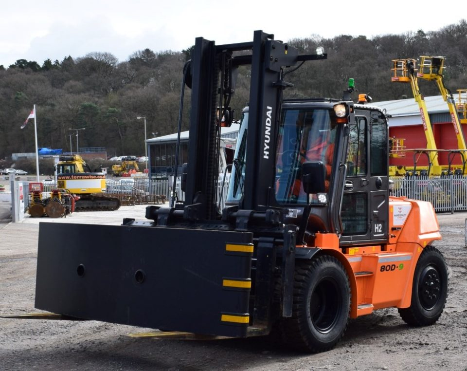 Hardstaff Barriers expanding their fork-truck fleet with Hyundai