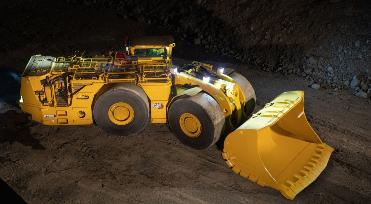 New Cat R2900 Underground Loader improves emissions, cooling and servicing