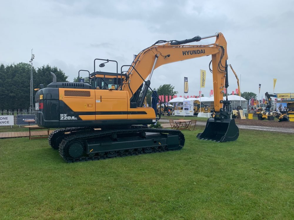 Hyundai Construction Equipment Europe (HCEE) will showcase its new HX220AL at Plantworx 2019. Introducing the new A-series – the HX220AL is one of the first Stage V ready Hyundai machines.