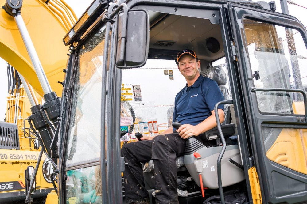 Liugong's Alistair Morton received Best Operator Award
