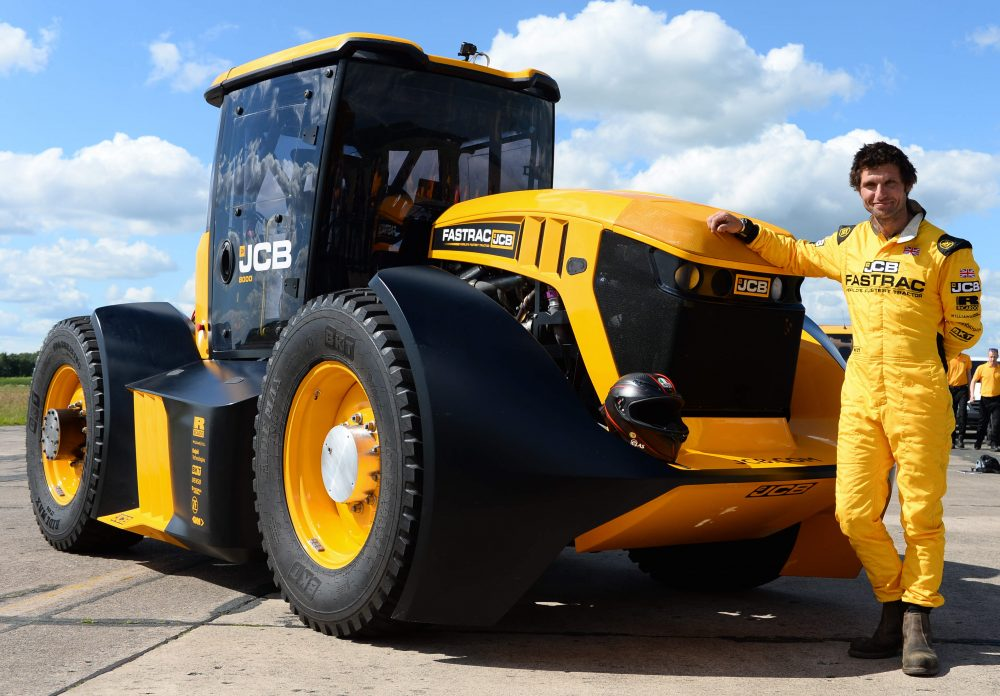 JCB Fastrac Tractor sets new 103.6mph British Speed Record
