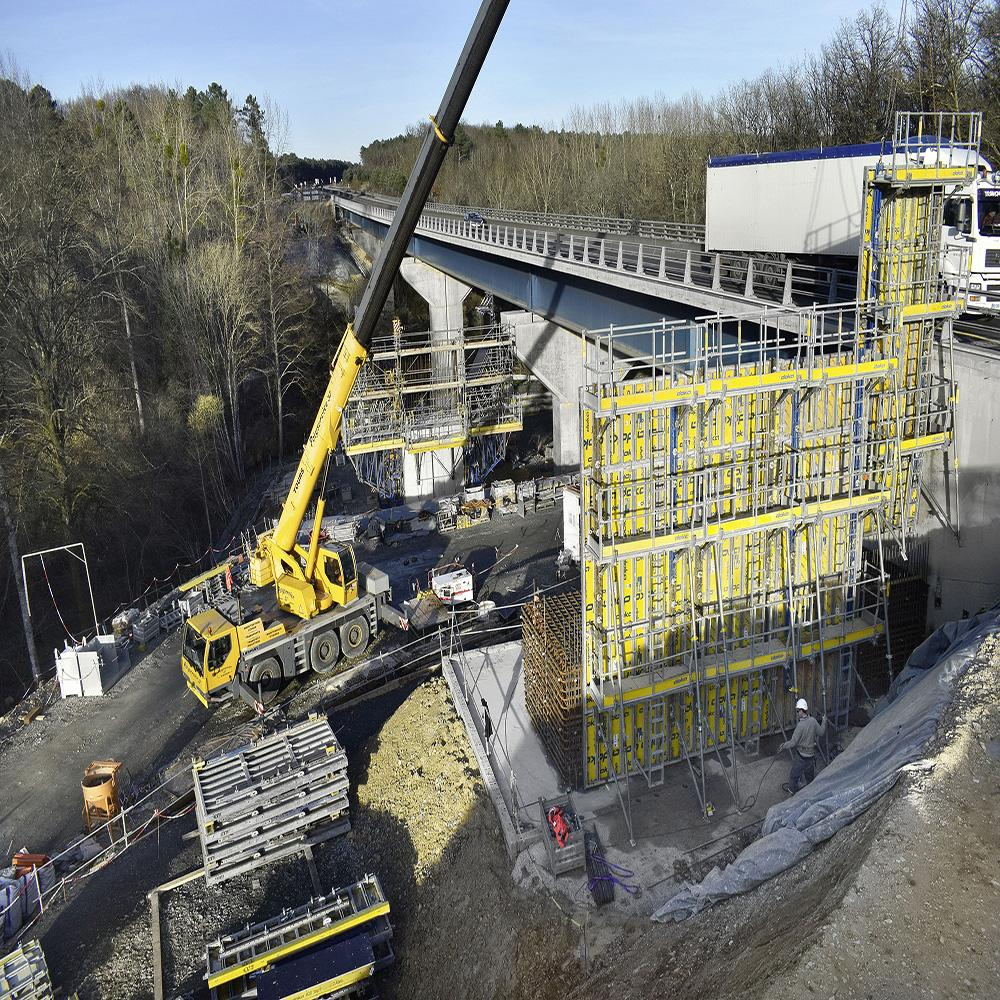 Doka using BIM and ingenious formwork solutions to build bridges on the A85 motorway project.