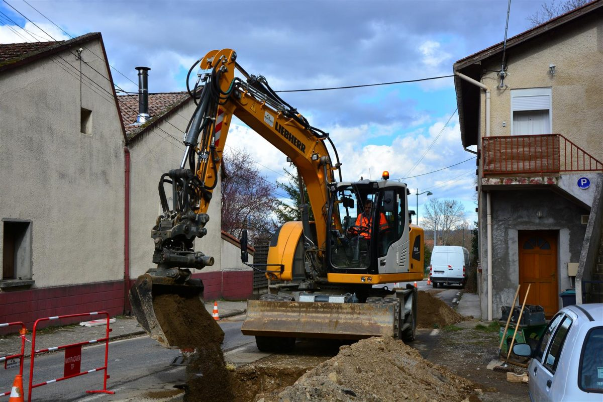 Montagnier TP's Liebherr excavators keep going strong in France