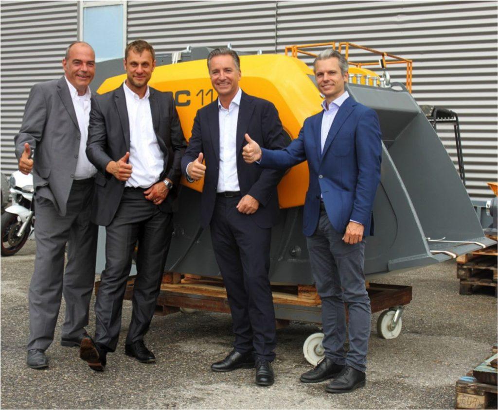 (L-R)Rokla's Klaus Volkert and Robert Piasecki with Hartl Crusher's Dominik Hartl, Alexander Hartl.
