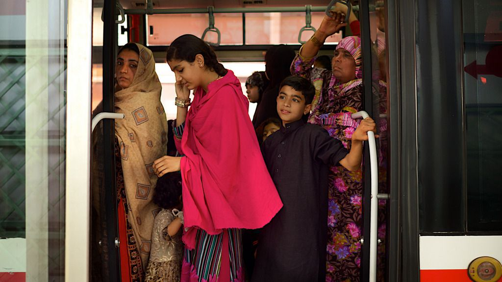 ADB supports Bus Rapid Transit System in Karachi to improve public transport