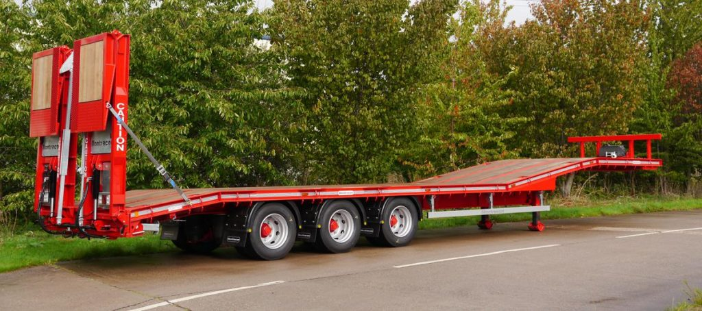 Montracon expands their machinery carrier trailer range