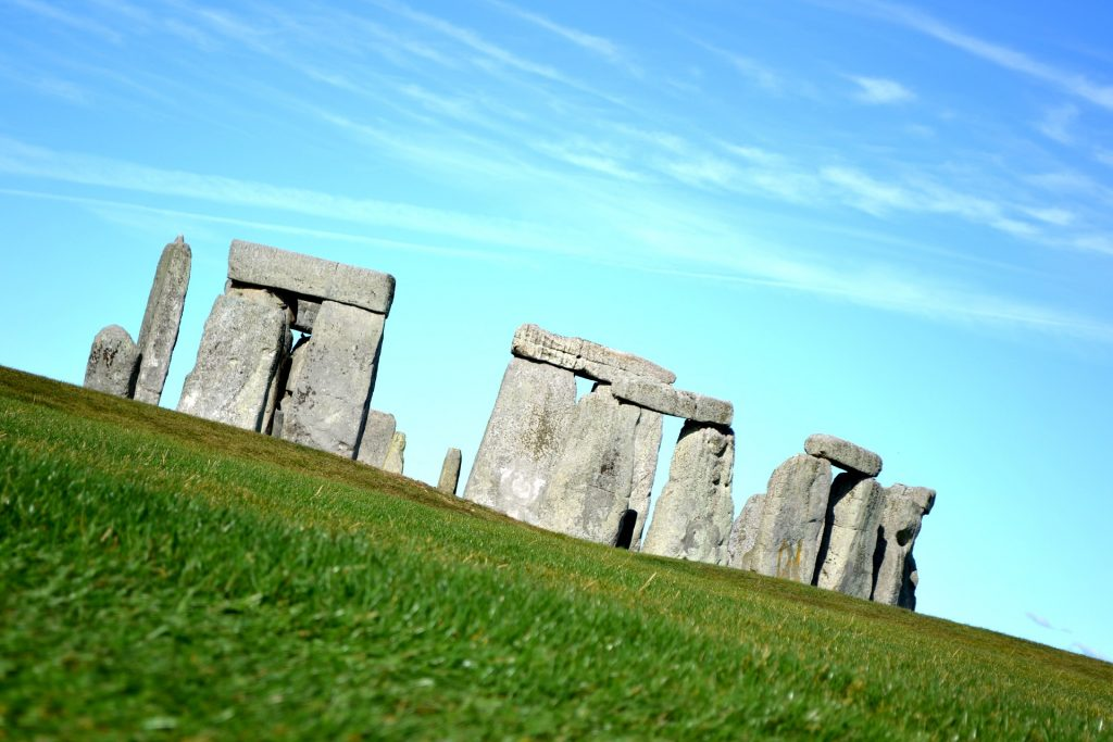 Highways England starts search for team to deliver A303 upgrade near Stonehenge