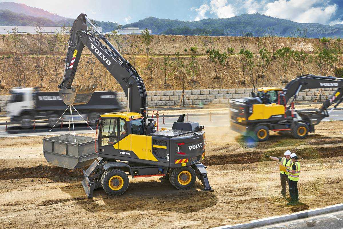 VolvoCE improving excavator fuel efficiency