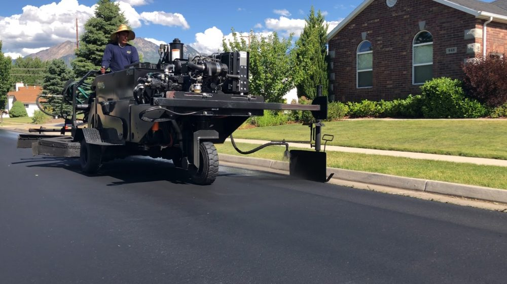 With the DA-350 and spray truck modifications from Neal Manufacturing, Morgan Pavement was able to increase productivity more than 53% a day, applying up to 130,000 square feet (260,000 with double application).