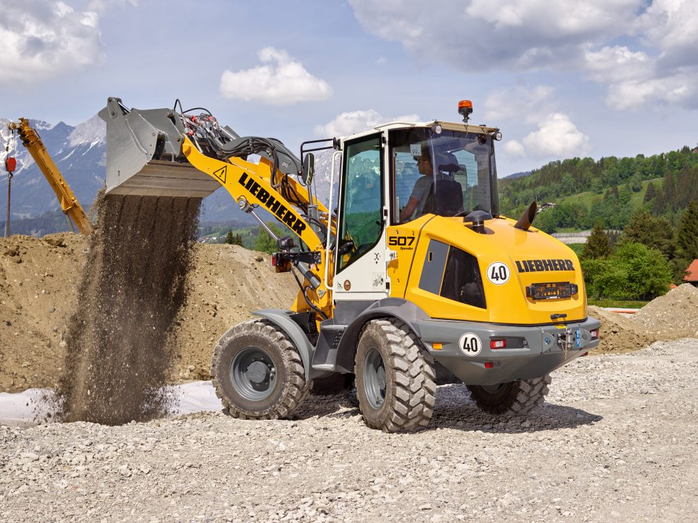 The new Stereoloader L 507 at Maxpo is presented in Speeder version. In this version, it reaches a maximum speed of 38 km/h.