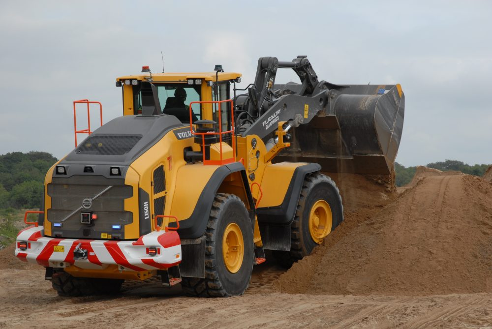 Volvo L150H loader takes charge at Hugh King in Scotland