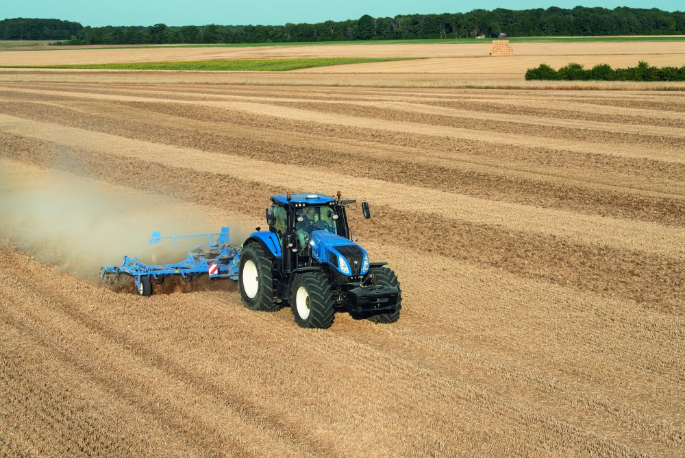 New Holland T8 GENESIS Tractor packs horsepower and PLM Intelligence