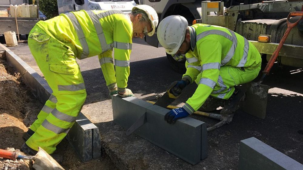 Skanska experiments with recycled plastic kerbing as a lower carbon alternative to concrete