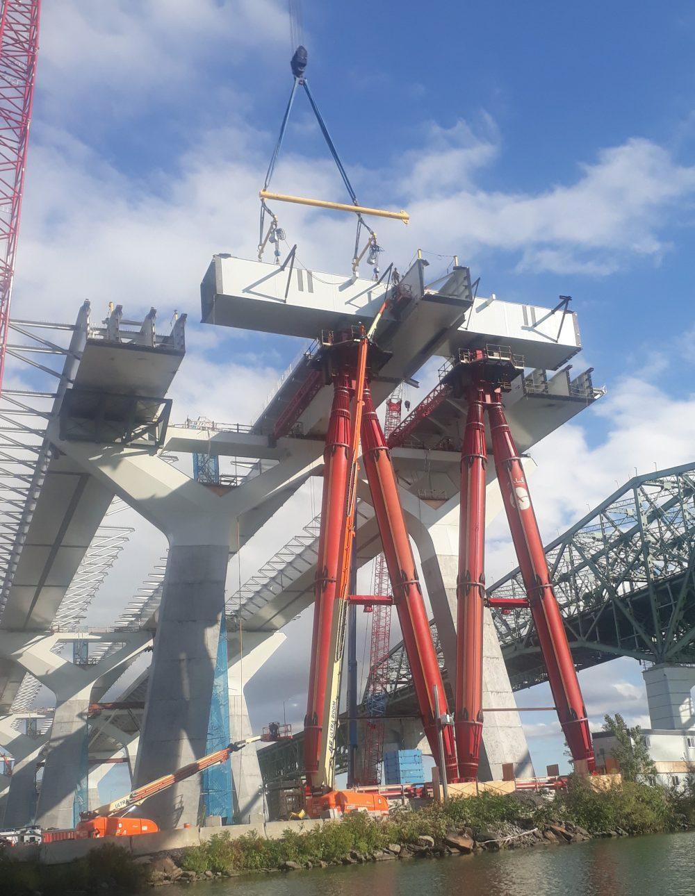 Canadian bridge installation accelerated with specialist support from ALE