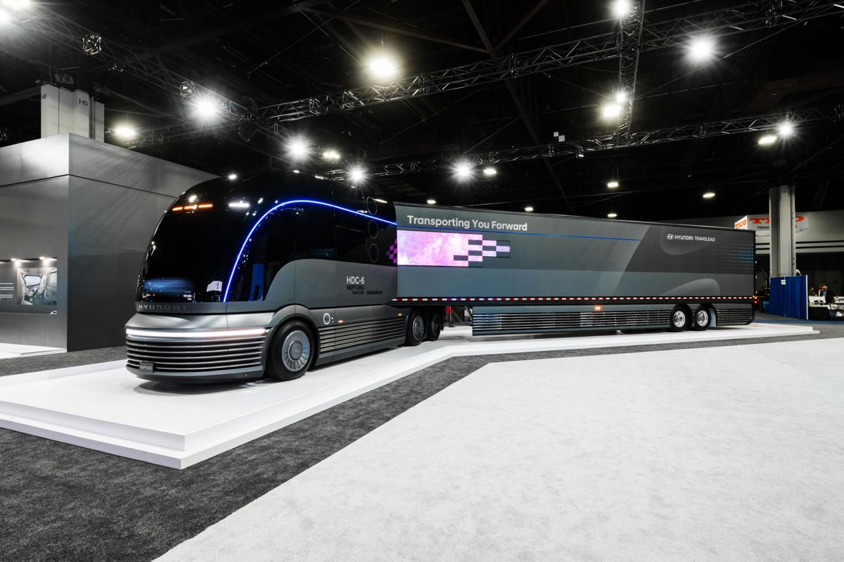 Hyundai reveals their Truck Mobility Fuel Cell Electric Vehicle Vision at NACV Show