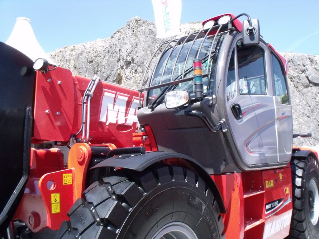 Manitou acquires majority stake in British equipment dealer Mawsley Machinery