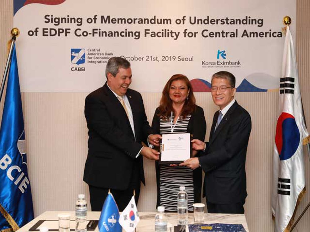 CABEI signs agreement with Korea Eximbank to promote electric mobility in Costa Rica