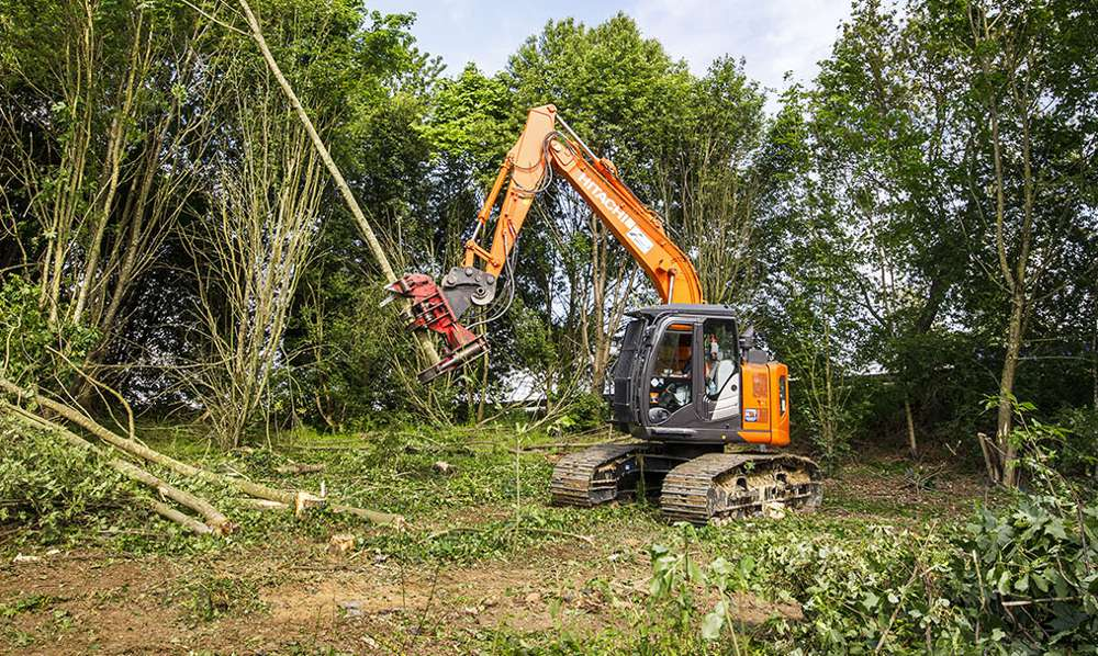 Hitachi forestry excavator offers speed and stability for Mivois Environment in France