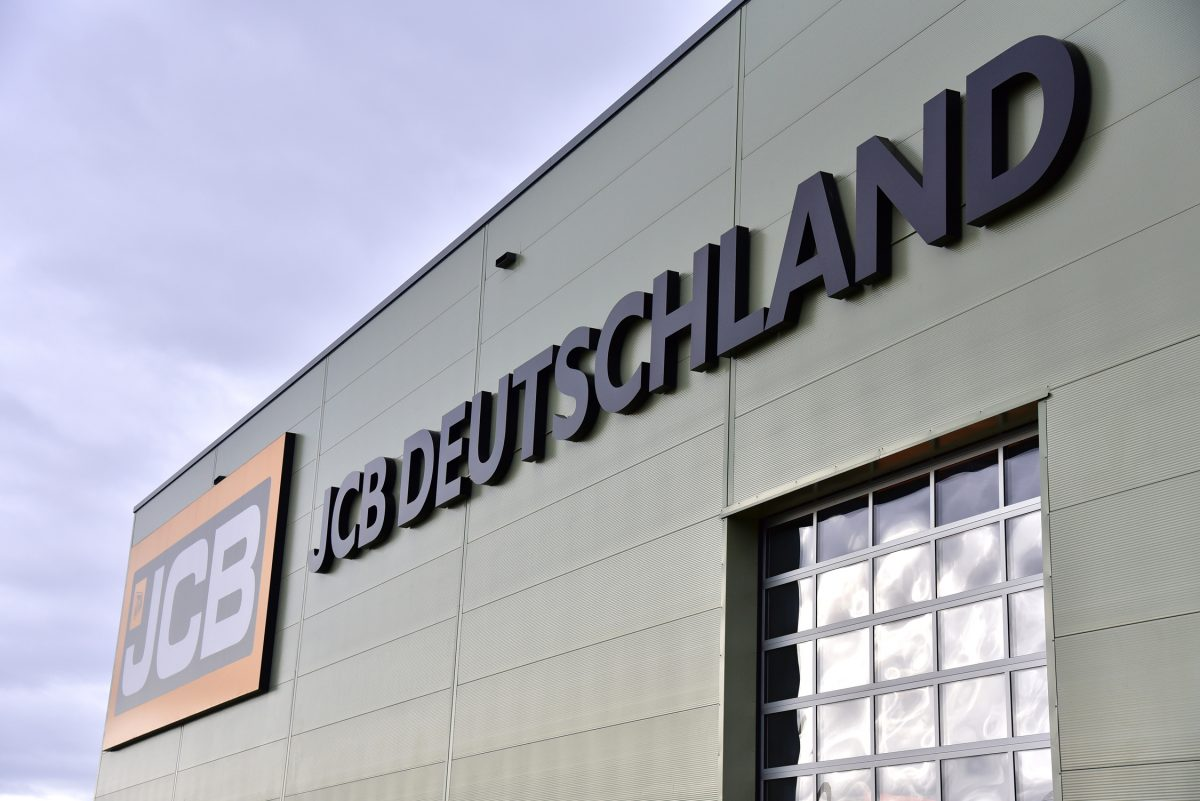 Lord Bamford opens new £50 million JCB Headquarters in Germany