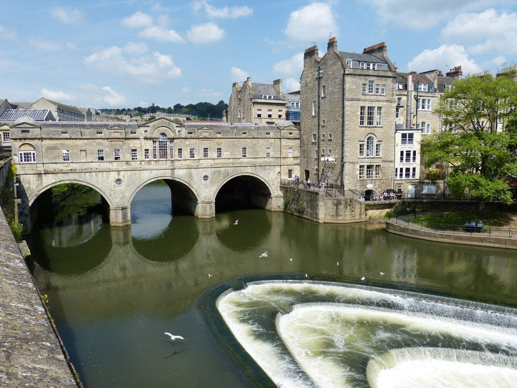 Bath and NE Somerset Council turns to Yotta Alloy for street lighting maintenance