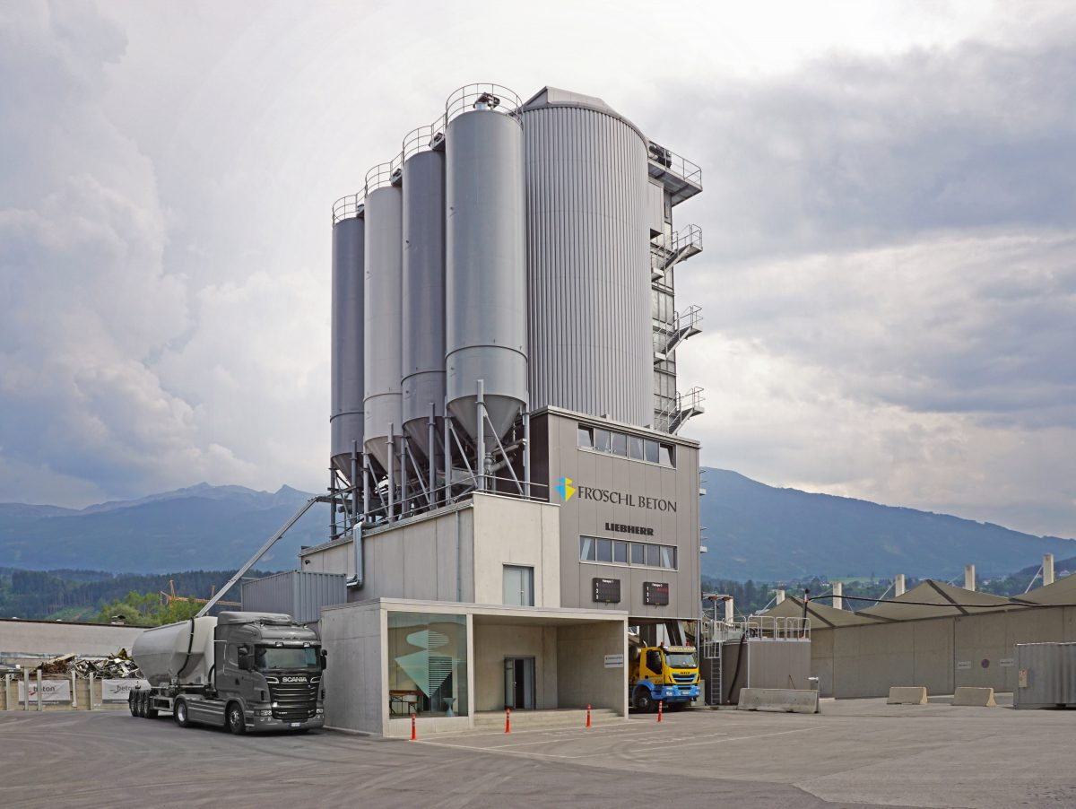 Liebherr Betomat-type mixing tower covers the entire concrete logistics chain