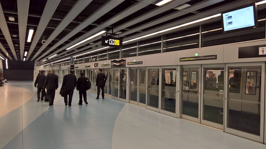Barcelona purchases 42 high-tech trains to modernise metro with EIB support