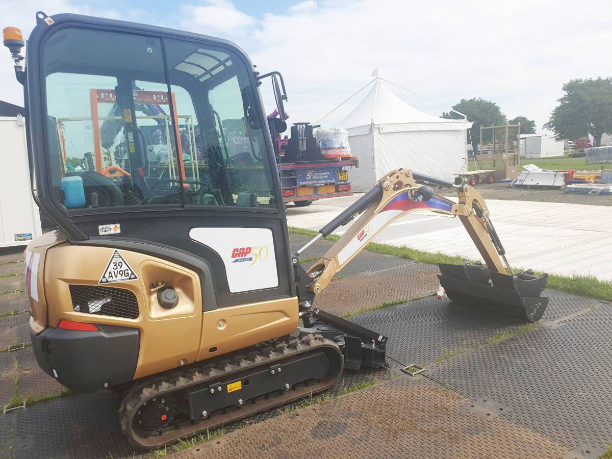 GAP brings Goldie the Glittery Excavator to the market to raise money for charity