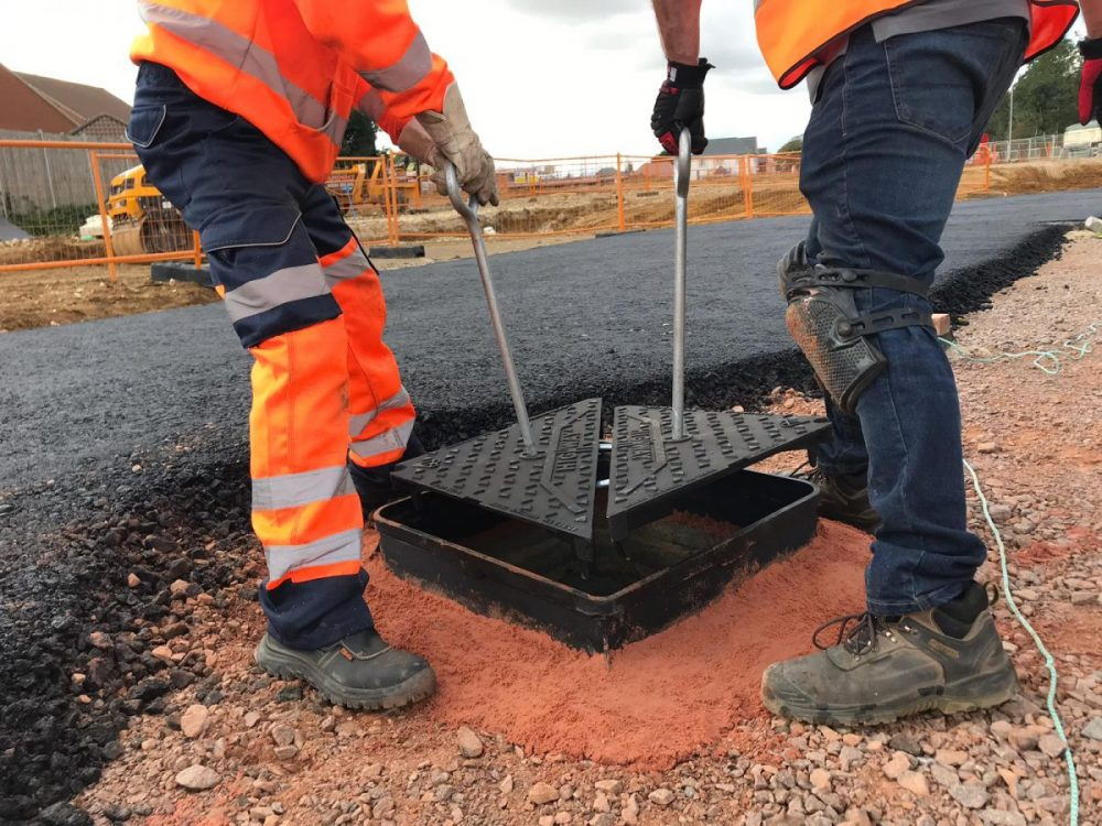Wrekin innovative ClickLift saves time and disruption for manhole cover re-installations