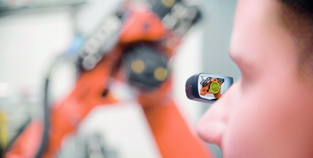 Bosch Virtual Reality data glasses - Bosch has applied for 5G operating licenses for selected German locations to automate and connect driving, an essential element of Industry 4.0