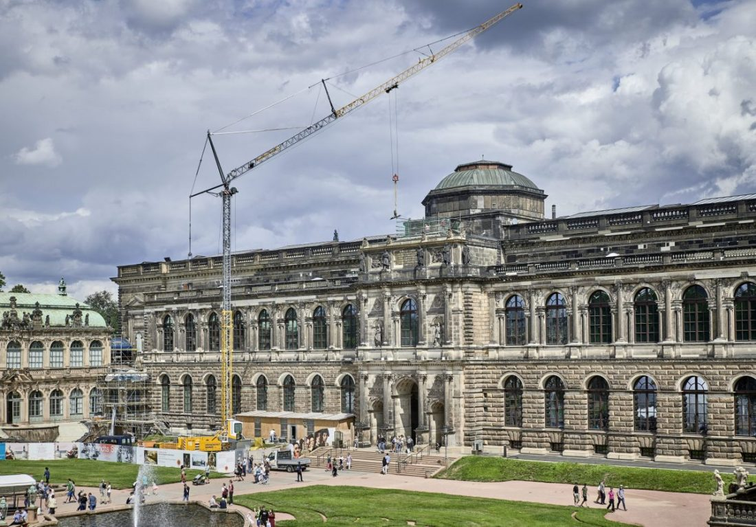 Liebherr mobile construction crane vital part of the Dresden Zwinger renovation
