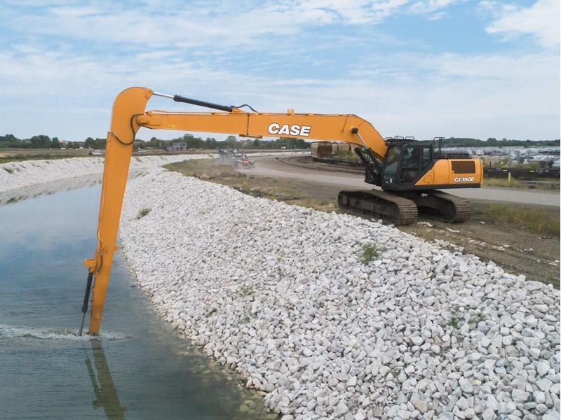 CASE launches the CX350D Long Reach Excavator