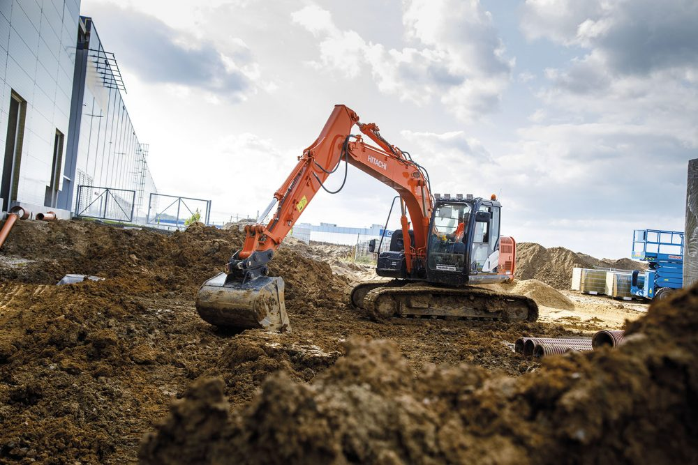 Hitachi Premium Used ZX130LCN-5 Excavator heads to the Czech Republic
