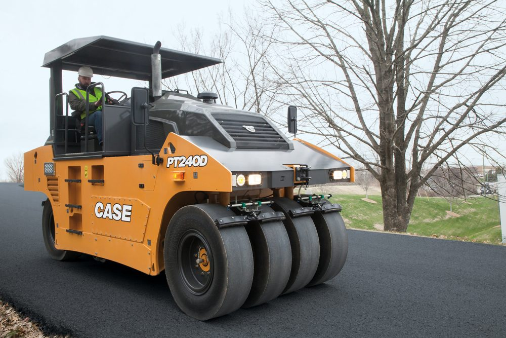 CASE releases the new PT240D Pneumatic Tyred Roller