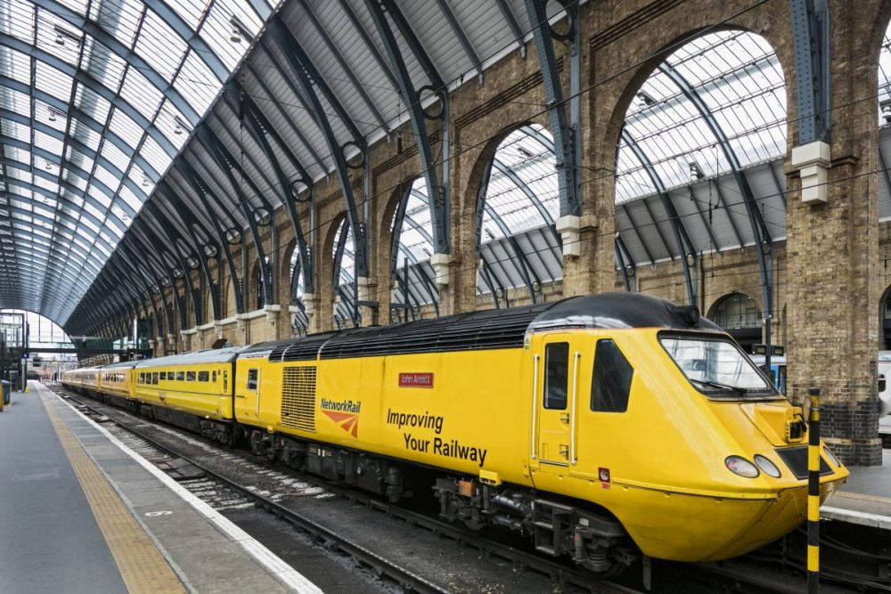 Maintenance contract awarded for Network Rail's Flying Banana train