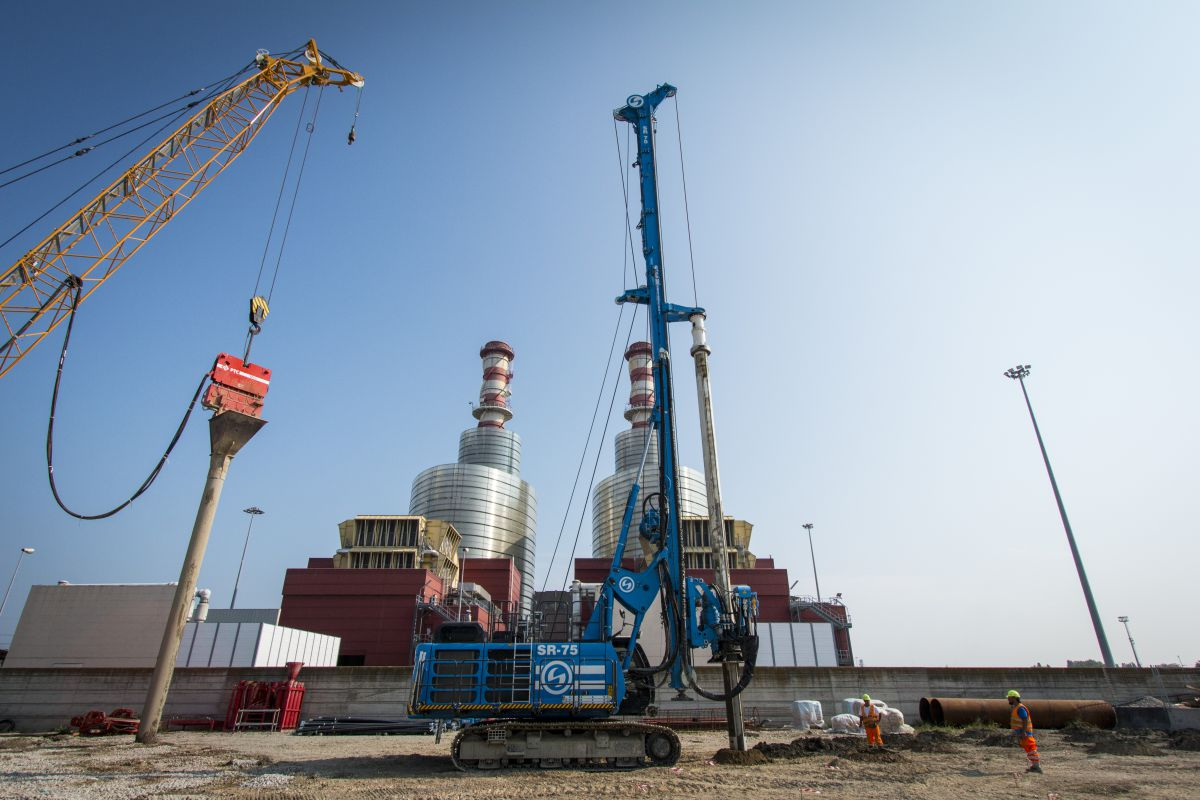 The new brand Soilmec SR-75 is the first model of the new Blue Tech line. One of its design hallmark is to be focused on the environmental aspects.