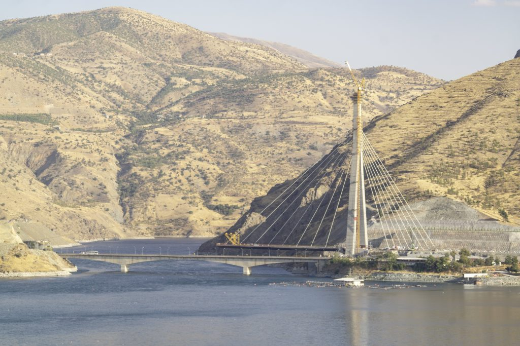 Doka climbing formwork enables speedy construction of Kömürhan Bridge in Turkey